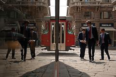 (13) 3+3.... (Donato Buccella / sibemolle) Tags: street italy milan colors reflections milano streetphotography tram duomo piazzamercanti canon400d impiegati mg3791 sibemolle unmarchiodifabbricathembi