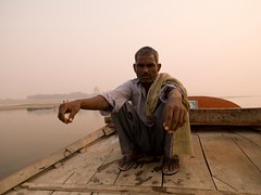 indnr7000036.jpg (keithlevit) Tags: india man men water photography asia arms arm dusk fineart waters levit keithlevit keithlevitphotography