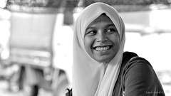 happiness (1davidstella) Tags: bw nikon market streetphotography 85mm streetportrait kotakinabalu nikkor sabah aasia tamu d300 rahima putatan flickraward lovely~lovelyphoto 1davidstella 4tografie