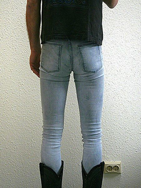 Find out 7 main reasons why men should NOT wear tight-fitting denim pants. >>> Become A Style GOD With This