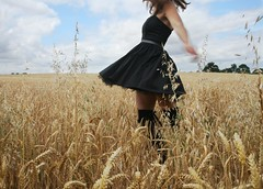302/365 Wheat. Free. (sosij) Tags: inspiration selfportrait socks rural canon dance movement wheat fields 5d crops hertfordshire wholewheat weetabix thoughtmylegswouldgetlostinthewheat somanyimagesrangtruetodayhardtopickone ichoosethisbecauseitmakesmehappy