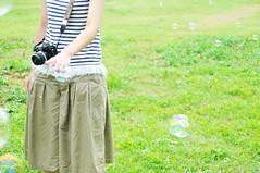 Bubbles_00008 (ajari) Tags: park friends summer portrait japan tokyo nikon bubbles human 日本 東京 夏 人物 tachikawa 立川 友達 シャボン玉 d300 showakinenpark 昭和記念公園 sigma1850mmf28exdcmacrohsm photodeco