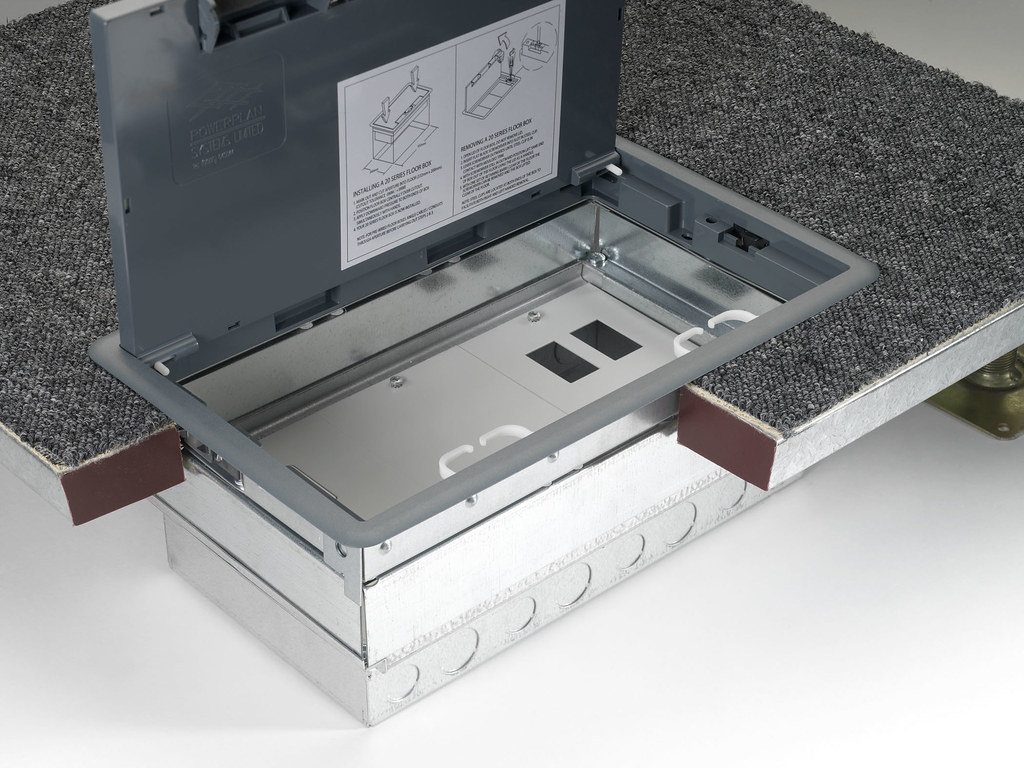 20 series 'push fit' floor box  Floor Box Internal 0011