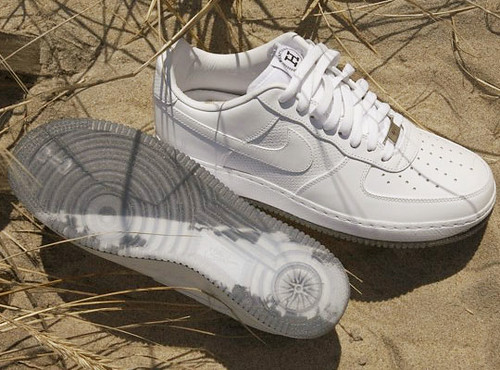 nike-air-force-1-hamptons-front