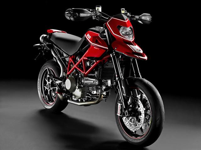 Ducat_Hypermotard_11100_Evo_SP_2