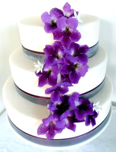 Wedding Cake With Purple Flowers Wedding Cake With Artificial