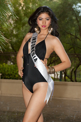 Miss Indonesia 2010 Qory Sandioriva