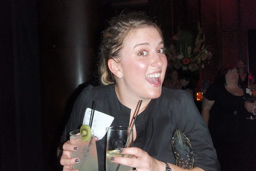Danielle (@daisyJD) double-fisting her cocktails