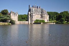 Domaine de la Bretesche (thomaspollin) Tags: lake france castle see frankreich europa europe thomas lac loire chteau pays burg domaine atlantique pollin paysdelaloire loireatlantique bretesche missillac thomaspollin domainedelabretesche