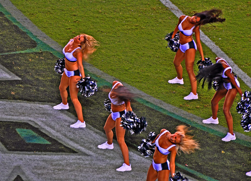 dance your ass off (Eagles Cheerleaders)