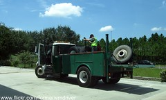 WM International Maintenance Truck - 672781 (FormerWMDriver) Tags: trash truck garbage tire wm international management repair maintenance rubbish vehicle service waste refuse mechanic inc sanitation ih ihc 4300 durastar