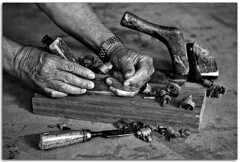 Hand made        [Explore] (Antonio Carrillo (Ancalop)) Tags: wood bw white black blanco canon madera hand negro manos bn carpintero 50d puertolumbreras mucia ancalop