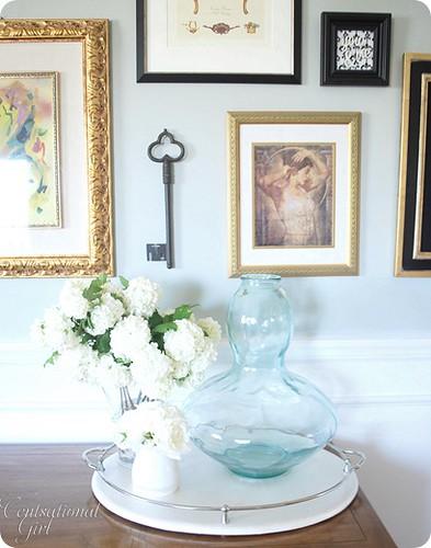 Blue vase & Snowball
