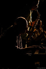 Jazz band (Vincenzo Giordano) Tags: summer portrait musician music black face silhouette dark concert nikon estate sommer piano jazz concerto musica sicily nikkor pianist sax ritratto nero saxophone sicilia musicista pianoforte 55200 pianista sagoma sassofono d40 giannigebbia vincenzogiordano