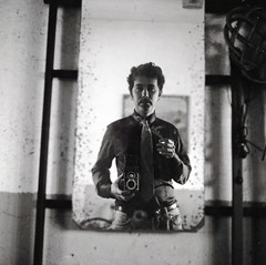 Another self-portrait (Italian Film Photography) Tags: self portrait autoritratto analogue camera specchio mirror bw bn 120 mediumformat medioformato 6x6 tlr rolleicord rollei retro 160iso film pellicola dust contest19fotografiaanalogicaitalia