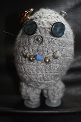 Roberta (Dayakie) Tags: wool robot crochet craft madebyme roberta crobot