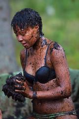 Emma (Timo Vehviläinen) Tags: girl suomi finland dof mud bokeh wrestling scout bikini evo scouting 135mm leiri canonef135mmf2l partio kilke finnjamboree