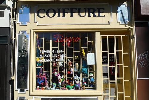 Vitrine  coiffeur - Paris 11eme, juillet 2010