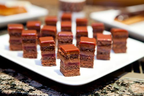 Salvador cake bites