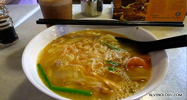 I had their signature prawn noodle