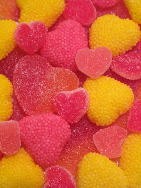 pink yellow hearts day candy heart sweet rosa valentine amarillo sweets candies día corazón dulce dulces valentín gominolas enamorados sanvalentín corazones gominola