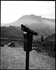 Telescope with a heavy heart (Sapient Iguana) Tags: mountain mountains lookout binoculars telescope viewpoint lucianlanteri