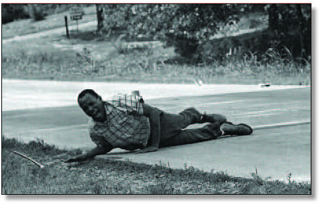 James Meredith shot June 1966 in MS on MAF
