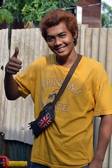 a thumbs up from arizona state (the foreign photographer - ฝรั่งถ่) Tags: young man bleached hair thumbs up khlong thanon portraits bangkhen bangkok thailand nikon d3200