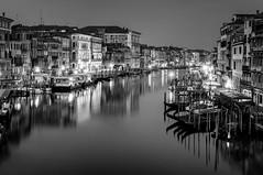 quiet (ddaugenblick) Tags: kanale grande canal grand venedig venezia venice sw bw nacht night wasser water