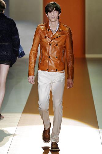 Alex Dunstan3115_SS11_Milan_Gucci(VOGUEcom)
