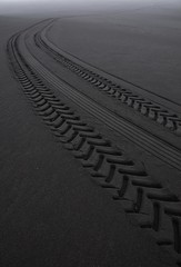 (A_E_P) Tags: black point landscape volcano lava iceland sand wheels perspective tracks wideangle vanishing volcanic minimalist