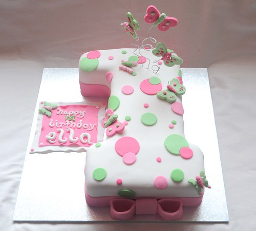 Number polkadot and butterfly cake