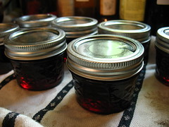 red currant jelly - done