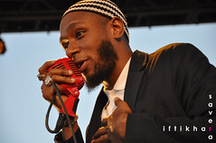 Headliner Mos Def takin' the stage