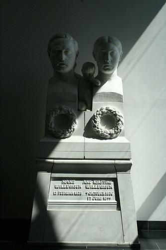 Grave monument 1900