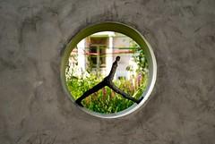 Concrete par Nathalie Decoster (Yenbay) Tags: sculpture paris art garden juin jardin statues moderne promenade t paysage parc boisdeboulogne
