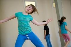 DSC_2273 (BAX| Broolyn Arts Exchange) Tags: girls newyork brooklyn dance unitedstates teen workshop solo 2009 12yo freemotion 14yo bluepants 13yo dpw1 dpwi