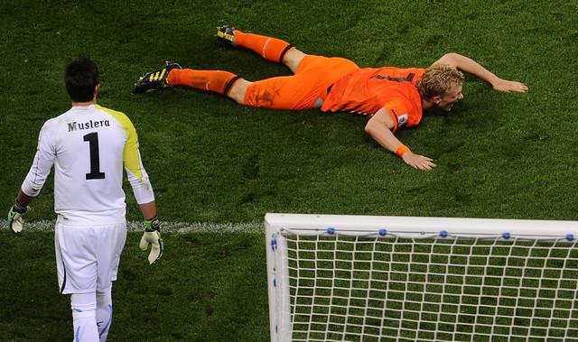 Holland Uruguay Fernando Muslera Dirk Kuyt