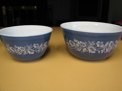 Colonial Mist bowls