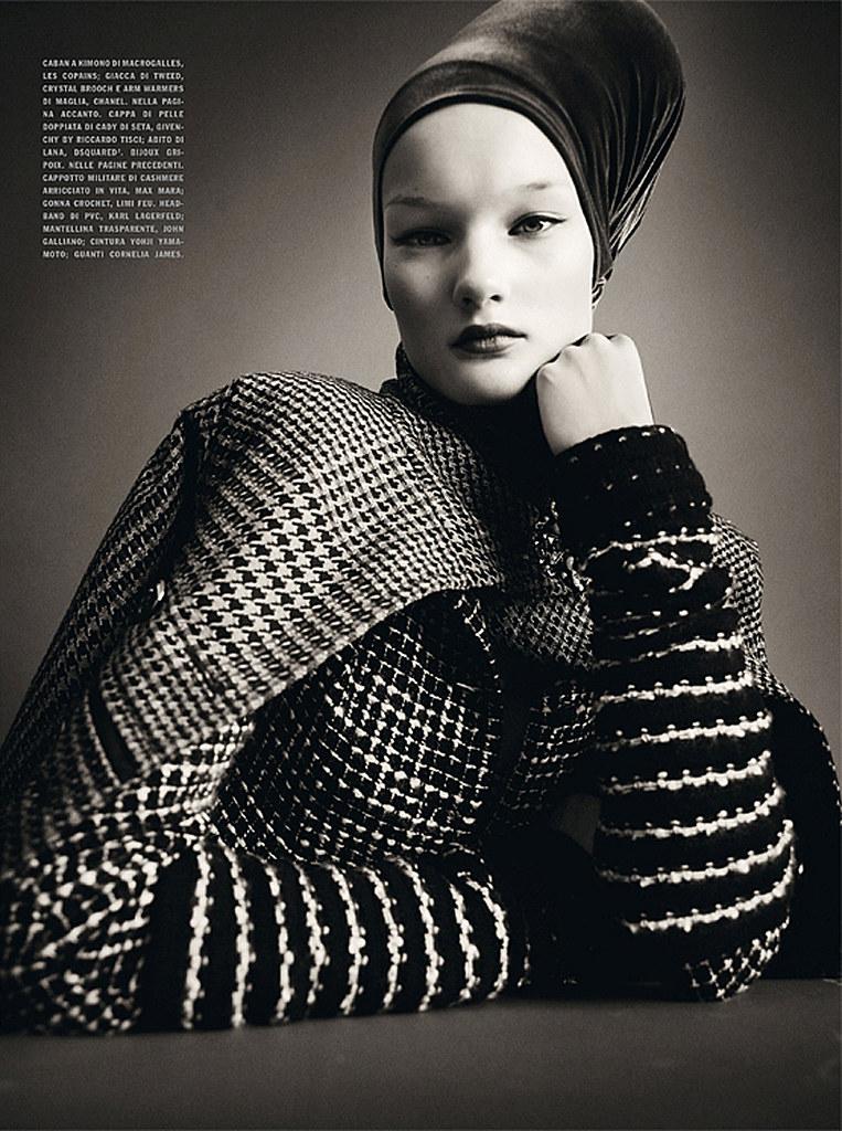 Kirsi Pyrhonen by Paolo Roversi (Sensational - Vogue Italia July 2010) 9