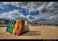 208/365 - HDR - Weymouth.Beach.@.1200x800 (Pawel Tomaszewicz) Tags: camera new uk blue sea england sky cloud fish eye praia beach colors sport clouds island photography coast photo high sand foto britain quality united great creative kingdom playa fisheye dorset definition hq fotografia range weymouth hdr kayaks kajak 2012 anglia aparat pawel olimpics pawe olimpiada morze kajaki chmury niebo plaa angole chmura piasek wyspa wybrzee wyspy 1200x800 piach fotografowie polscy bkitne tomaszewicz