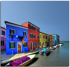 Colours on the water (Nespyxel) Tags: houses canal multicoloured case colourful laguna colori burano challengeyouwinner allxpressus nespyxel stefanoscarselli bcolours pleasedontusethisimageonwebsites blogsorothermediawithoutmyexplicitpermissionallrightsreserved