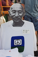 Gandhi in the Service of the Missoula Peace Sign (CT Young) Tags: montana missoula gandhi peacesign missoulamt missoulamontana canonef50mm18 downtownmissoula canonprimelens missouladowntown missoulasaturdaymarket peacelogo downtownmissoulamt missoulapeacesign downtownmissoulamontana dowtownmissoulamt