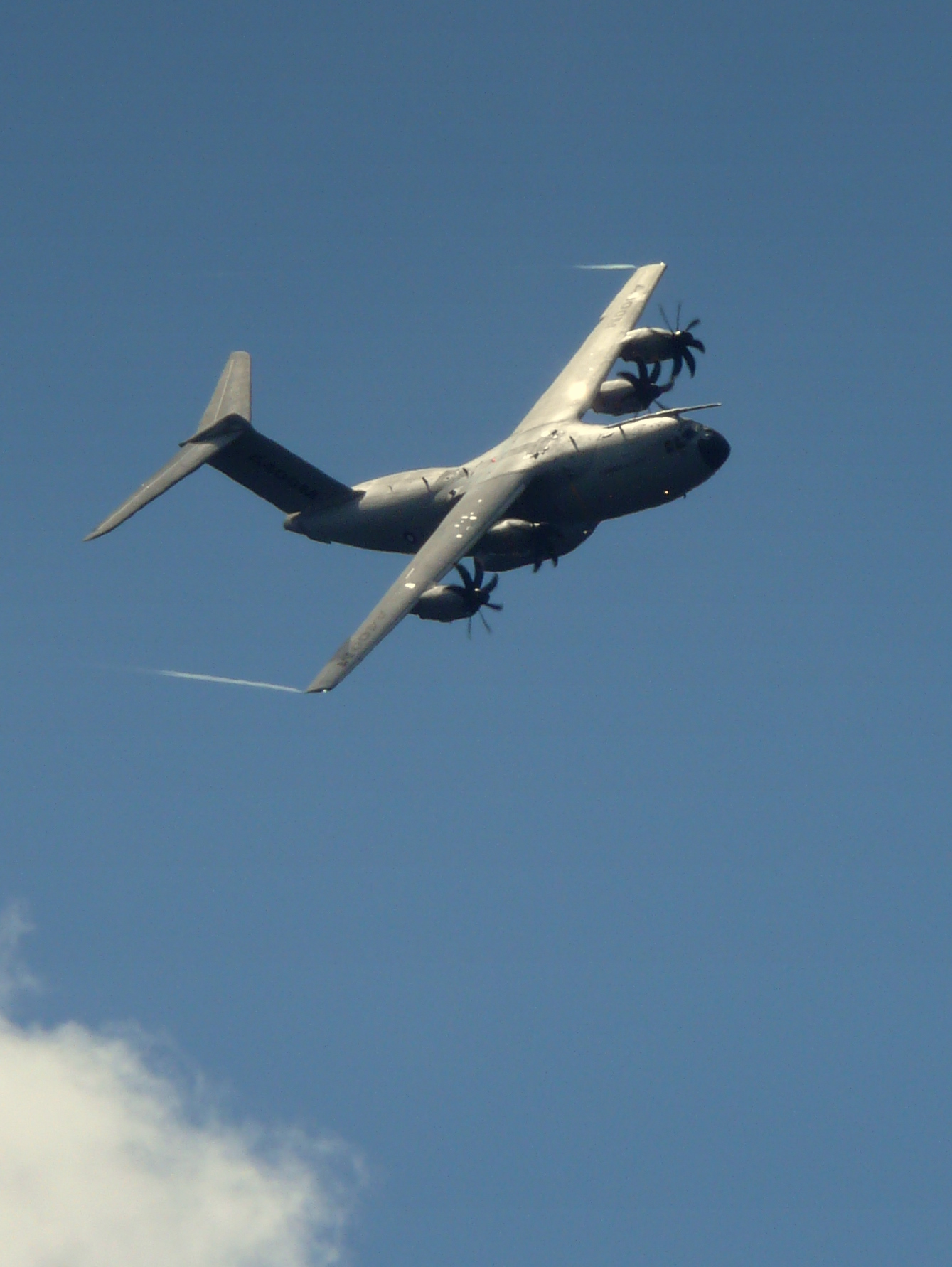 A400M at Farnborough Airshow 2010