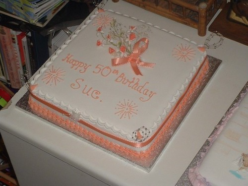 Round 50th anniversary cakes