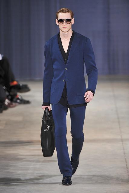Bastiaan Ninaber3042_FW09_Paris_Louis Vuitton(VOGUEcom)
