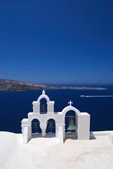 Oia - Santorini - Greece (Giuseppe Finocchiaro) Tags: travel blue sea white holiday church nikon mare ship bell blu chiesa campana santorini greece nave grecia viaggi bianco oia vacanze