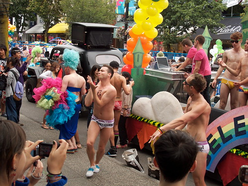 Priape Dancers