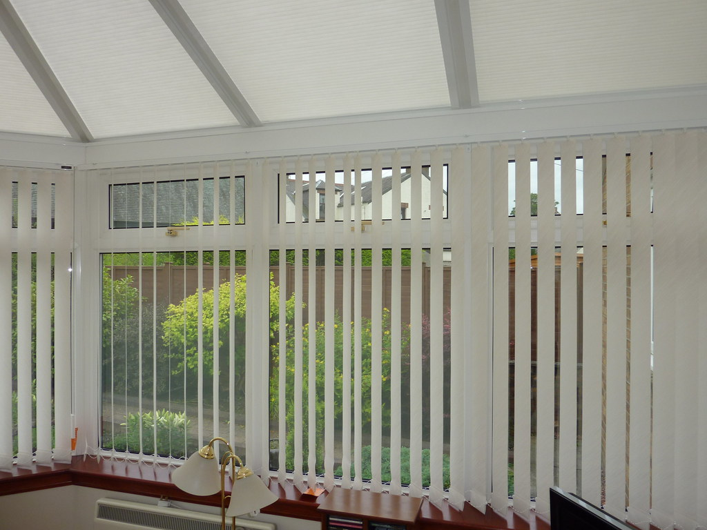 roof pleated blinds with vertical blinds