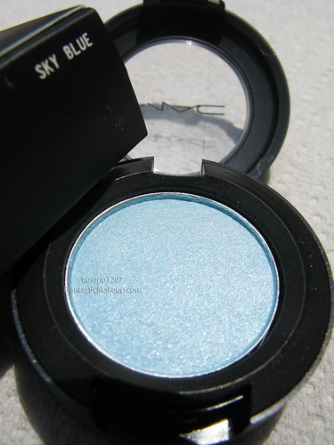MAC Dare to Wear Sky Blue eye shadow